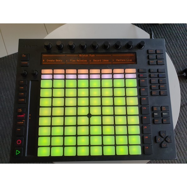 MIDI kontroleris Akai Ableton Push