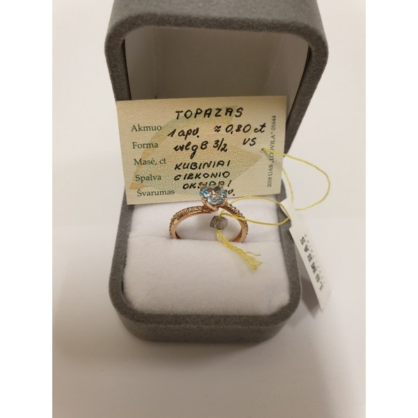 Auksinis žiedas su brangakmeniais